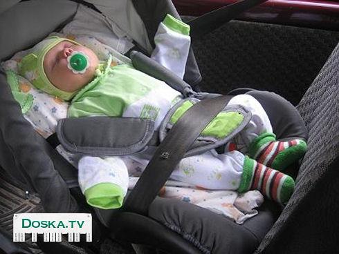 Нужно ли новорожденного сажать в автокресло 38